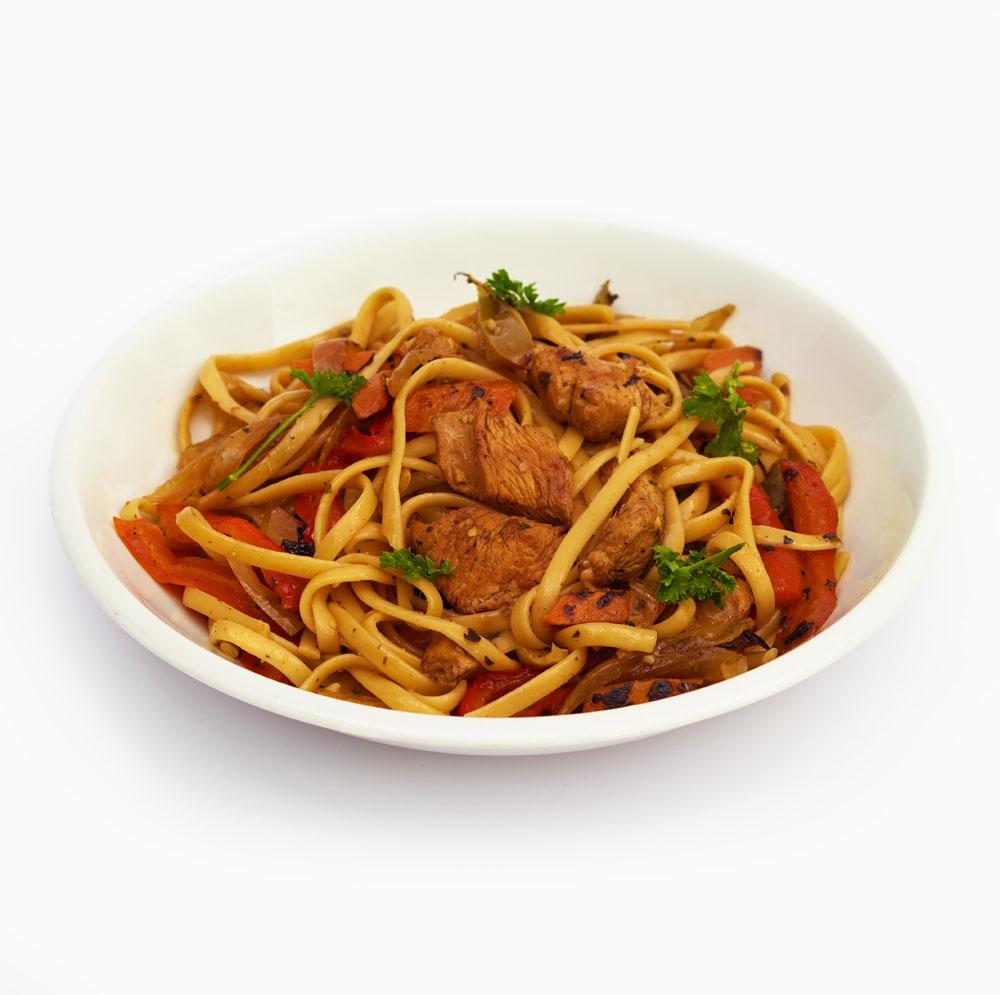 Salteado Oriental de Pasta con Verduras y Pollo - Comida a domicilio BERA